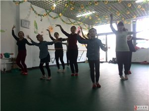 康梦舞蹈培训中心~暑期失控的报名热潮来袭