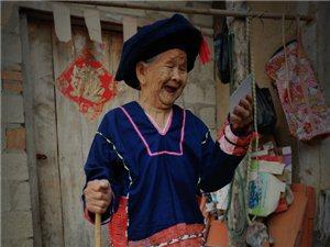【南歌��您看白沙】黎族�y身―正在消失的黎族文化