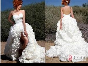 卫生纸婚纱礼服简直就跟真的婚纱沒两样!!真是令人在内心惊呼de油菜啊~