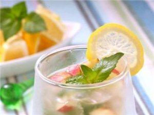 苹果柠檬苏打水