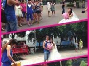 大四女生身著婚�向男友求婚
