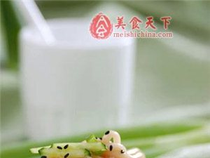 葱油拌面: 面条也是好吃滴,为家里的吃货学学吧