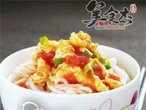 西红柿鸡蛋面: 面条也是好吃滴,为家里的吃货学学吧
