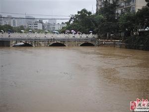 暴雨导致昆明1万多户居民停电