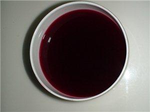【舌尖上的金沙网站】秀秀咱自己酿制的红酒