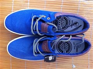 这两双鞋子