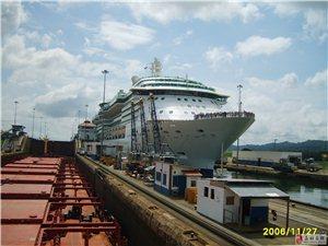 [原创]在巴拿马运河拍摄的豪华游轮