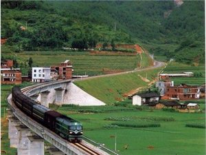 威尼斯人网址第一条铁路——赣龙铁路