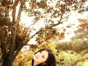 蓬溪美图网:秋景中的清新女子