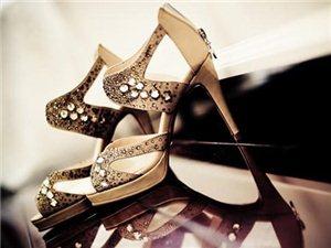 如何挑�x一�p合�_的新娘婚鞋