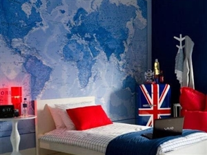 创意地图背景贴上墙 坐在家里轻松看世界风采