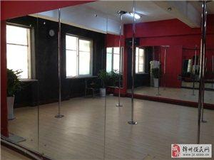 威尼斯人娱乐开户有专业教钢管舞的地方啦