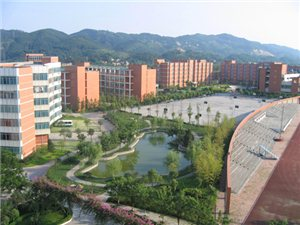 泸县二中-校园一角,泸县二中图片