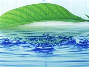 教你如何在�\�悠陂g健康的喝水