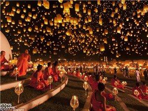 《国家地理》魔幻光影作品集:泰国水灯节