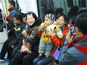 苏州9万市民尝鲜2号线 迎接28日的试运营(图)