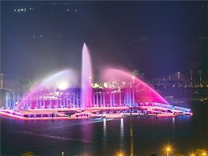 年年丰的焰火与白石湖的喷泉