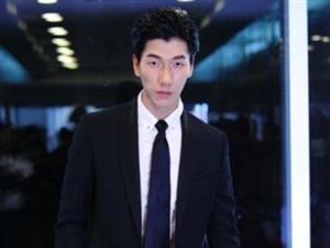 王岳伦执导《人生需要揭穿》张亮献影视处女秀