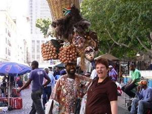 非洲人这样卖鸡蛋
