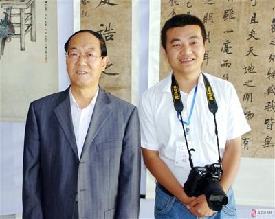原县政协主席李栋一寄语张家川在线发展