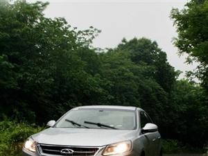 在雨中开车也别有一番滋味的说
