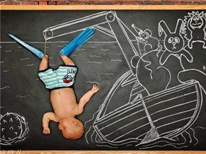 父母为熟睡婴儿打造有爱的创意摄影