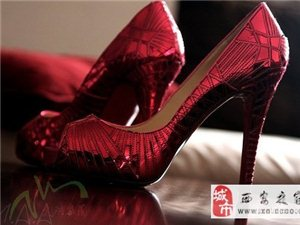 �p松、愉��、自信,�u曳春光�我��在�@��春天遇上最美的自己,更多鞋履欣�p