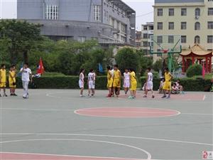 姚基金希望小学篮球季涡阳联赛现场图