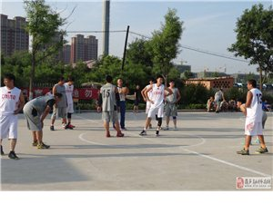 佳立重卡杯篮球赛半决赛欧派球友联队VS电视台队激励比赛照片