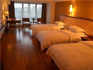 旅店三人�g