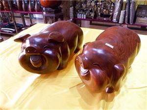 缅甸花梨木猪