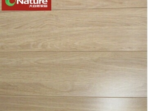 大自然地板强化复合地板适合地热田园橡木LC1206