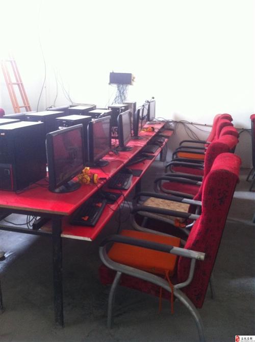 低價出售網吧桌椅