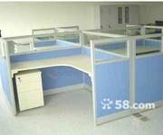低价转让带隔断屏风未安装过的办公桌,有需求的请联系