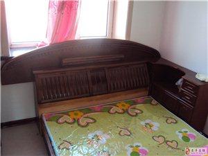 出售8成新双人床+床头柜