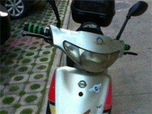 (转让)电动车9成新…全新铁鹰电瓶保修一年