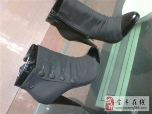 出售全新高跟皮鞋