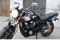 各種款式的二手摩托車優價出售