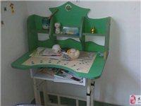 标准小型儿童学习桌2个
