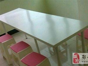 二手办公桌培训课桌长桌和户外展示LED