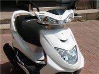 转让白色二手低价女式踏板摩托车 - 1680元