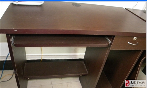 简易电脑桌5台可散卖要的联系