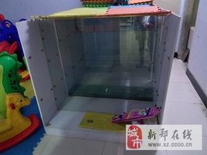 出售4组商品玻璃柜