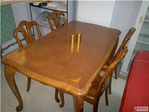 纯实木餐桌椅