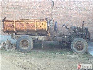 出售挖掘机和翻斗车
