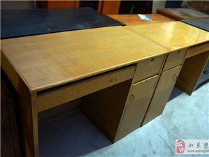 黄色木工板电脑桌出售