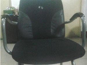 办公室合并有一批椅子低价处理