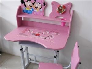 全新儿童书桌全城最低价