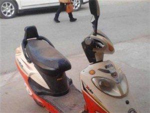 八九成新的雅迪电动车低价出售