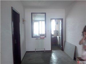 石油城3室2厅131平米简单装修整租